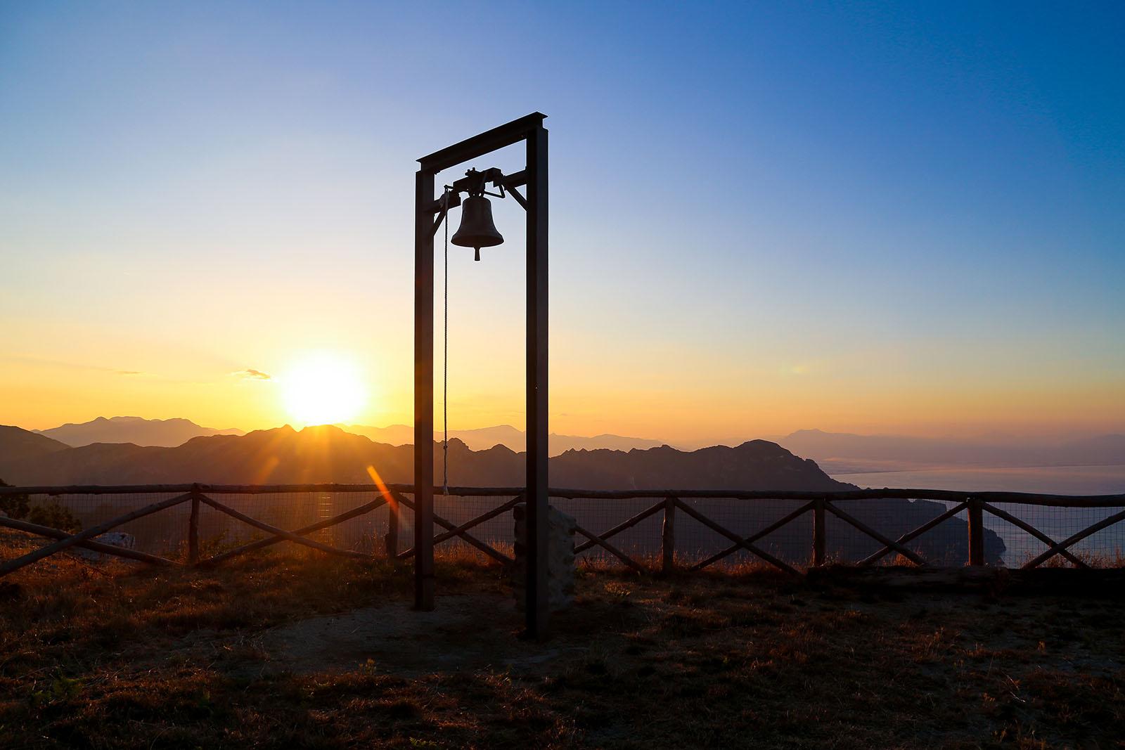 e ammirare l'alba